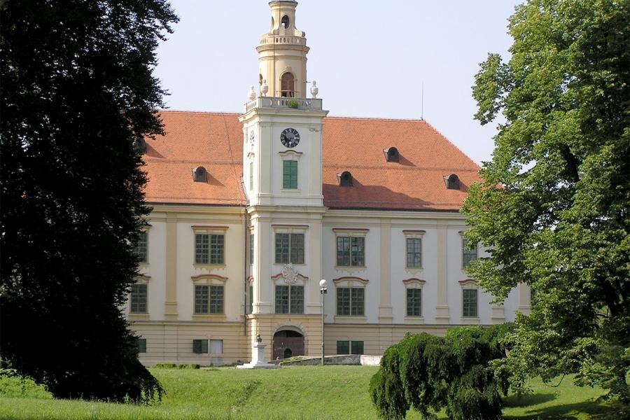 Dvorac Prandau-Normann u Valpovu